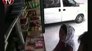 Ankarada Göğüslerini Gösterip Hırsızlık Yapan Kadın Trkolik.com
