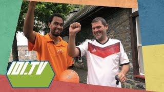 Nathan zingt nazi lied in Duitsland - Op Zoek Naar Het Oranje Gevoel