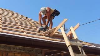 Строительство домика для садовника из ракушняка и крыша.В гостях у Володи.