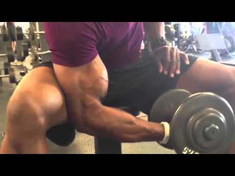 Build bigger biceps faster (how to do Dumbbell Concentration Curl)