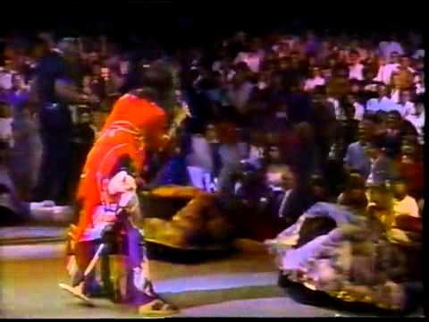 Run DMC and Aerosmith - Walk This Way - MTV LIVE 1987.mp4