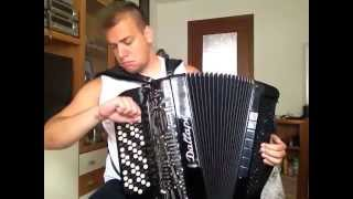 Marko Milutinović - SEVERINA FEAT. MINISTARKE - UNO MOMENTO - Accordion Version (OFFICIAL VIDEO)