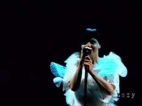 10 Bjork - Show Me Forgiveness (Live at Fuji Rock)