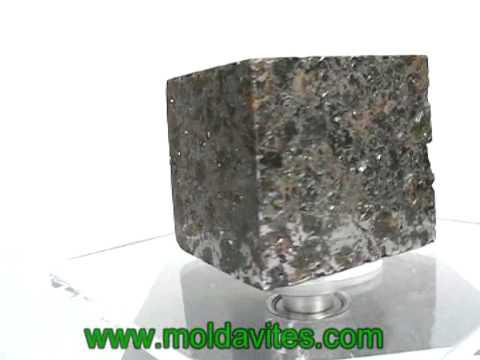 Meteorite - Pallasite (www.moldavites.com)
