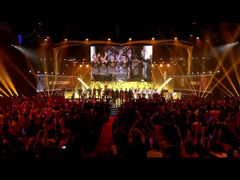 League of Legends Season 5 World Championship 2015 Opening Ceremony - Teams Enter The Stage! #WORLDS