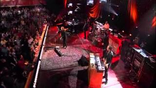 "TOM PETTY AND THE HEARTBREAKERS  live version   ""handle me with care"".wmv"
