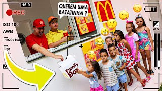 TRANSFORMEI MINHA CASA NO MC DONALDS!!!