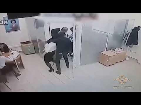"""Видео ограбления банка """"Открытие"""" в Тюмени"""