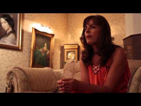 Guest star Mira Furlan talking about America, venim!