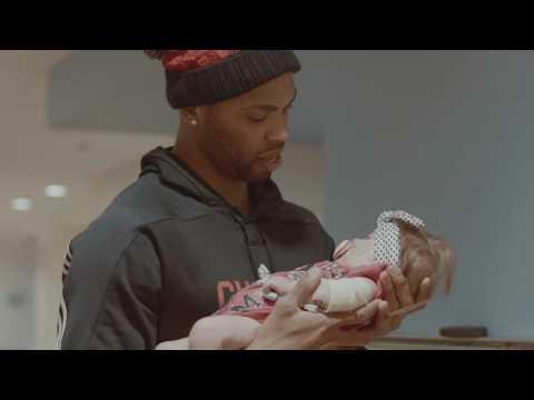Taj Gibson visits children at Ann & Robert H. Lurie Children's Hospital of Chicago