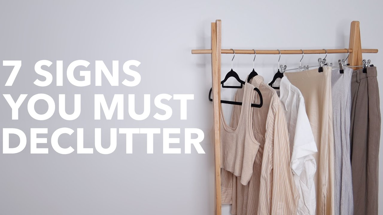 YOUR LIFE IS CHAOS | Signs You NEED Minimalism in 2021