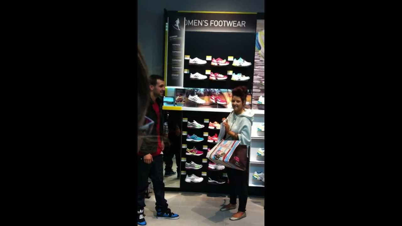DYNAMO AT THE ADIDAS STORE AT WESTFIELD STRATFORD SHOPPING CENTER - YouTube 4ada745d8