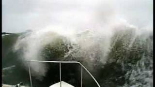Rough seas in Ocean Ranger 2011