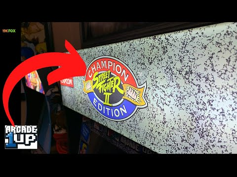 Fox UnBox: Unboxing Arcade1up 1st Generation Lit Marquee from 19kfox