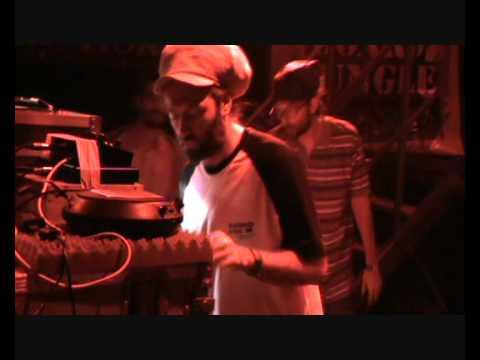 Marseille Dub Station 16 pt1 Blackboard Jungle & Roberto Sanchez