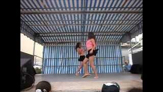 Danseuses KMC, sur Kedjevara Tchoucou tchoucou