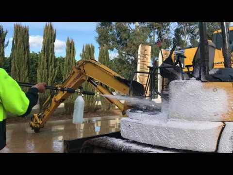 How to Easy Wash an Excavator in 15 min