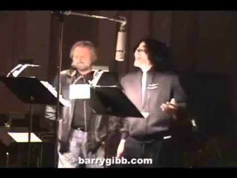 Michael Jackson singing at the recording studio (very rare footage)