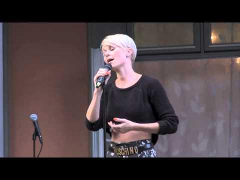 Hagekonsert på Aksept 13: Bertine Zetlitz: