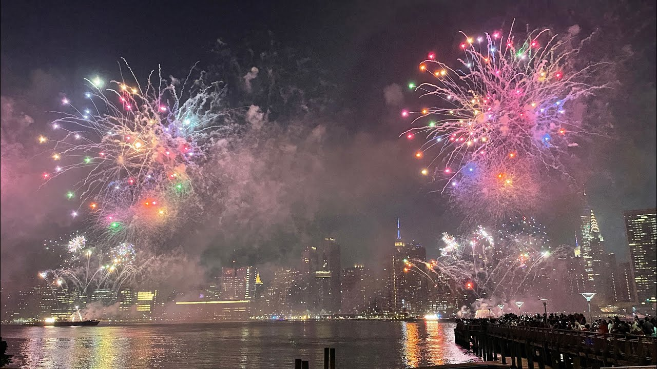 NYC Macy's 4th of July Fireworks Show 2021 / Phone Version