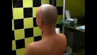 piercing al collo (nape piercing)