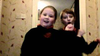 KAREN & ROBYN DO JLS....wmv