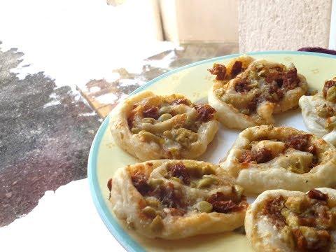 petits-feuilletés-tomates-séchées,-olives-et-parmesan