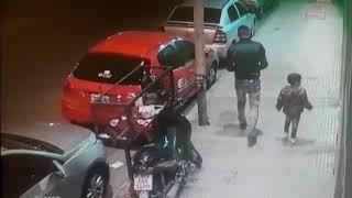 Para robar una moto utilizó a su hijo
