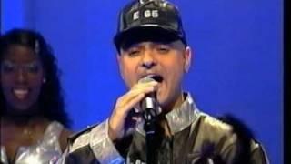 Eiffel 65 - Blue (Da Ba Dee) (Live TOTP 1999)