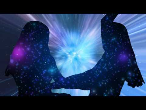 Clara Hill - Lonely Glow (New Album 'Pendulous Moon')