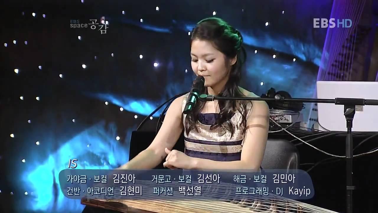 Миллион алых роз в исполнении корейских девушек