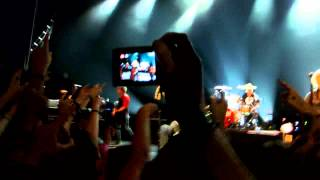 """Green Day - """"Burnout"""" & """"Know Your Enemy"""" LIVE @ 02 Shepard's Bush (HD)"""
