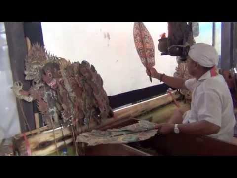 Bali: Tumpek Wayang #2 Pura Siwa Manik DALANG Pemaron by Hans & Fifi