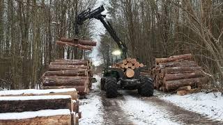 Nasiębierna zrywka drewna 2021-forwarder John Deere 1210G