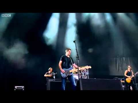 The Offspring - Pretty Fly (For A White Guy) Live at Reading Festival 2011