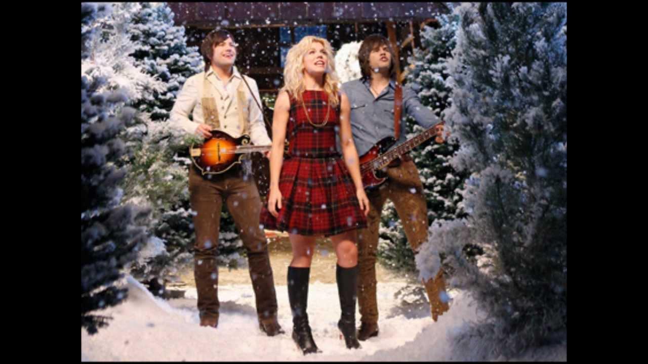 The Band Perry - 25 Days Of Christmas (Lyrics)