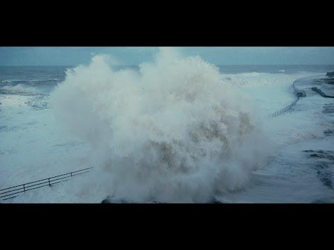Massive Waves at Whitley Bay & Tynemouth [4K]