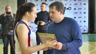 Федерация баскетбола Крыма выдала форму и мячи крымским ДЮСШ