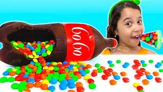 SARAH em uma HISTÓRIA ENGRAÇADA da MÁGICA do Chocolate & Soda Challenge
