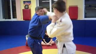 """Дзюдо. 9.3 урок: """"Учимся бить дальней рукой"""""""