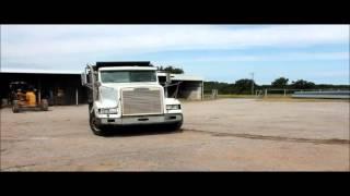 1996 Freightliner FLD120 dump truck for sale   sold at auction October 22, 2015