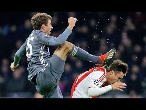 Tendangan Karate Thomas Muller Ajax vs Muller Mp3