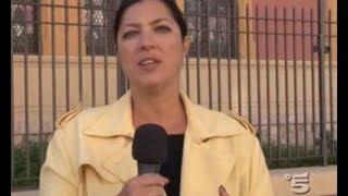 Stefania Petyx aggredita, l'inviata di Striscia spinta per le scale a Palermo