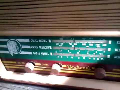 Radio Antigo Transistorizado de Mesa Montreal
