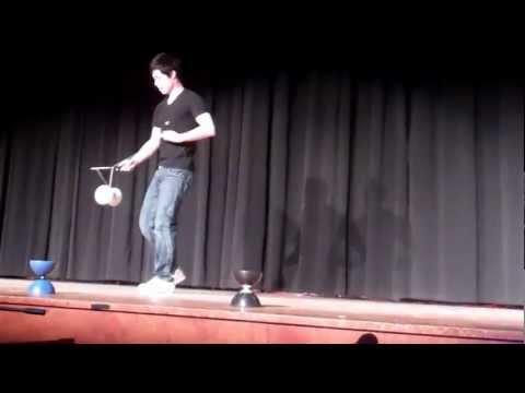 Chinese Yo Yo Steinert High School 2012 Talent Show WATCH Amazing Tricks