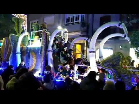Los Reyes Magos le plantan cara al frío en Pontevedra