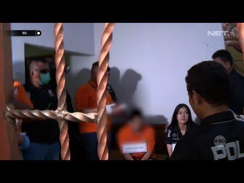 Rekonstruksi Pembunuhan Satu Keluarga di Bekasi, Lokasi Dipadati Masyarakat