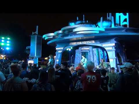 Hard Days Night Beatles tribute - Ob-La-Di, Ob-La-Da - Disneyland Anaheim CA 7/28/2017