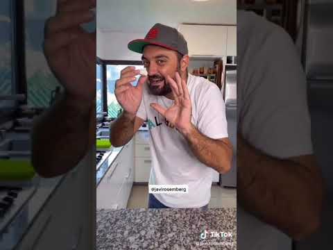 TikTok tutorial para hacer pastel de dulce de leche, merengue y chocolate