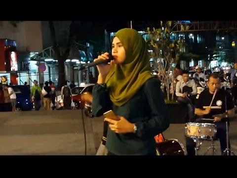 menahan rindu& Aku Budak Kampung-lara&min siam rots feat retmelo buskers cover